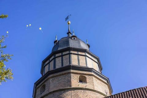 Extern-Gebäude-öffentliche-Plätze-Auftrag-Konietzny-Schlossturm-nach-Sanierung-5-