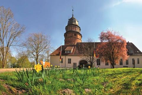 Extern-Gebäude-öffentliche-Plätze-Stadt-Diepholz-Das-Schloss-ohne-Fischaugenoptik-