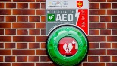 I Ty możesz uratować życie. Kolejny defibrylator w mieście