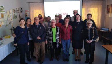 Seniorzy z Dziennego Domu Senior+ odwiedzili Strażaków
