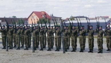 Żołnierzom wszystkich szarż i stopni