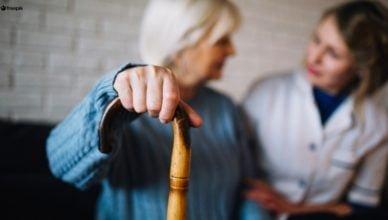 Więcej pieniędzy na opiekę dla seniorów 75+