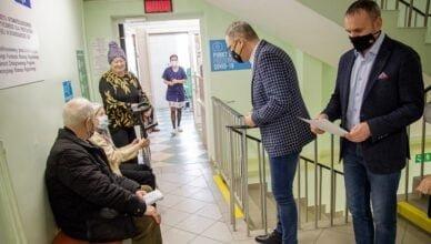 Prezydent sprawdził jak przebiegają szczepienia przeciw Covid -19