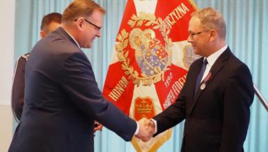 Prezydent odznaczony Medalem Pro Patria